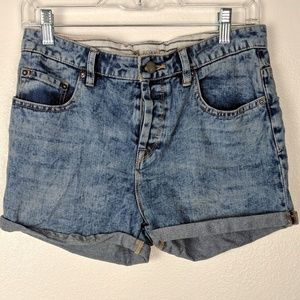 NWT Roxy acid wash button fly jean shorts. Size 26